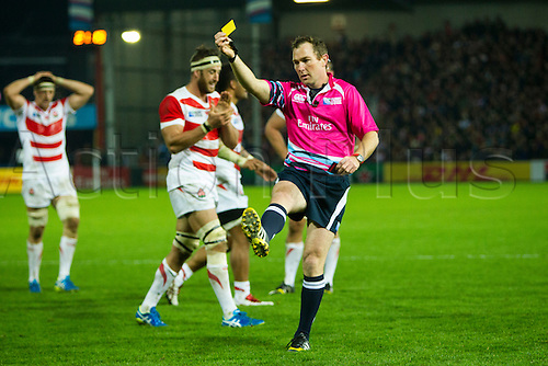 11.10.2015. Kingsholm Stadium, Gloucester, England. Rugby World Cup. USA versus Japan. Referee Glen Jackson shows a yellow card to Eric Fry of USA (not shown).