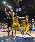 14.04.2018, EWE Arena, Oldenburg, GER, BBL, EWE Baskets Oldenburg vs s.Oliver W&uuml;rzburg, im Bild<br /> unter dem Korb<br /> Maxime DeZEEUW (EWE Baskets Oldenburg #12), Philipp SCHWETHELM(EWE Baskets Oldenburg #33)<br /> Owen KLASSEN (s.Oliver W&uuml;rzburg #4 )<br /> Foto &copy; nordphoto / Rojahn