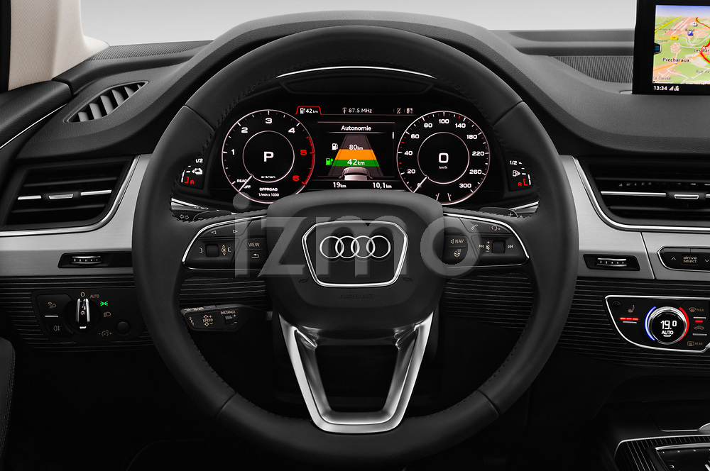 Car pictures of steering wheel view of a 2017 Audi Q7-e-Tron Avus 5 Door SUV Steering Wheel
