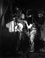 The Mummy (1932) <br /> Behind the scenes photo of Boris Karloff<br /> *Filmstill - Editorial Use Only*<br /> CAP/KFS<br /> Image supplied by Capital Pictures