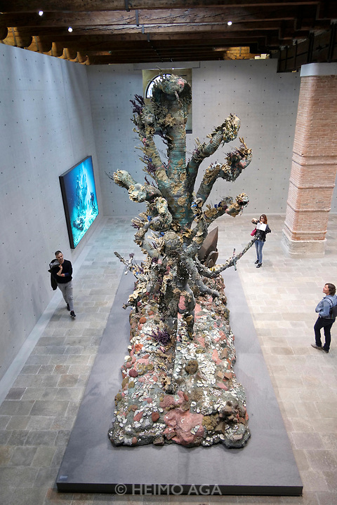 Punta della Dogana.<br /> Damien Hirst: Treasures from the Wreck of the Unbelievable.<br /> Hydra and Kali.