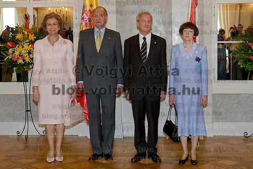 Queen Sofia (L) and I. Juan Carlos Spanish king (2nd L) meet Hungarian president Laszlo Solyom (2nd R) and his wife Erzsebet Solyom (R) in Sandor Palace, Budapest, Hungary. Tuesday, 29. May 2007. ATTILA VOLGYI