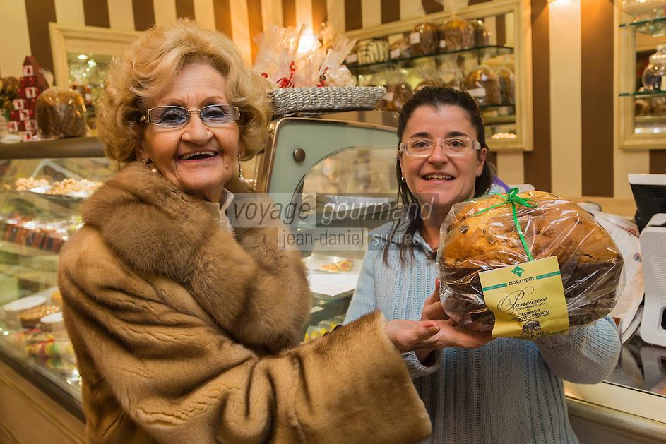 Italie, Val d'Aoste, Aoste : Panettone à la  pâtisserie Morandin // Italy, Aosta Valley, Aosta: