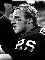 Oakland Raiders Fred Biletnikoff...(1973 photo/Ron Riesterer)