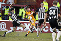 07/02/2009  Copyright Pic: James Stewart.File Name : sct_jspa16_motherwell_v_stmirren.CILLIAN SHERIDAN SHOOTS AT GOAL.James Stewart Photo Agency 19 Carronlea Drive, Falkirk. FK2 8DN      Vat Reg No. 607 6932 25.Studio      : +44 (0)1324 611191 .Mobile      : +44 (0)7721 416997.E-mail  :  jim@jspa.co.uk.If you require further information then contact Jim Stewart on any of the numbers above.........