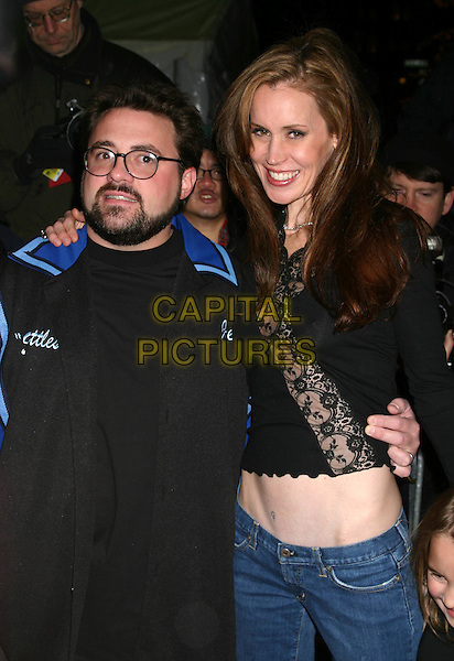 KEVIN SMITH & WIFE.Jersey Girl premiere at the Ziegfeld theatre, New York.9 March 2004..*UK Sales Only*.www.capitalpictures.com.sales@capitalpictures.com.©Capital Pictures.