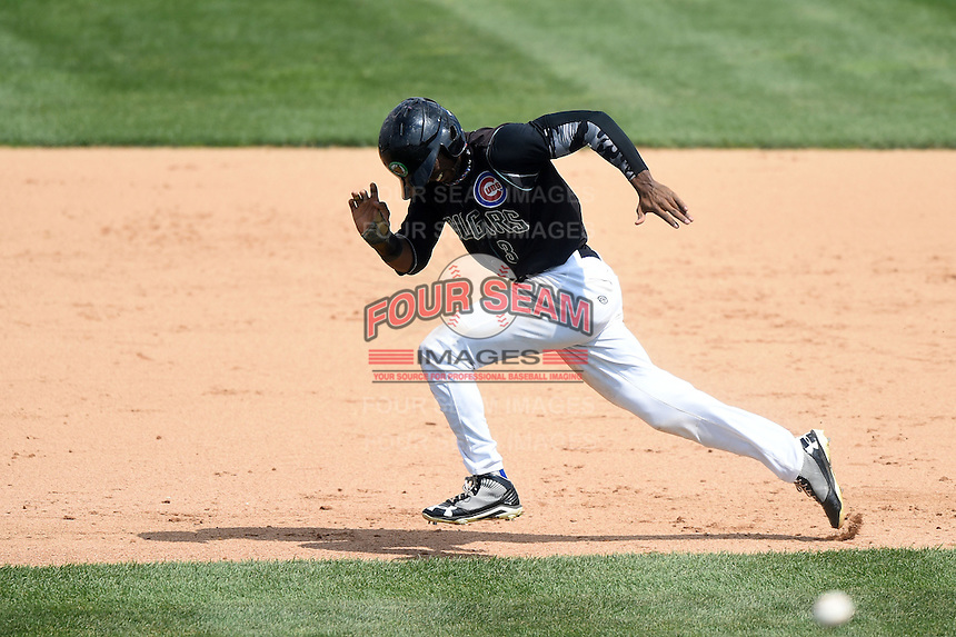 Kane County Cougars outfielder Shawon Dunston (3) runs to second on a stolen base attempt during a game against the Quad Cities River Bandits on August 20, 2014 at Third Bank Ballpark in Geneva, Illinois.  Kane County defeated Burlington 7-3.  (Mike Janes/Four Seam Images)