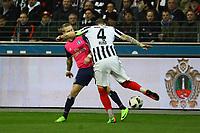 Marco Russ (Eintracht Frankfurt) verliert den Ball in seiner ersten Aktion an Lewis Holtby (Hamburger SV)- 18.03.2017: Eintracht Frankfurt vs. Hamburger SV, Commerzbank Arena