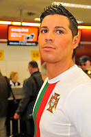 04/05/2010 Ronaldo in Edinburgh to launch easyJet flight