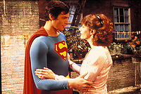 CHRISTOPHER REEVE & MARGOT KIDDER in Superman IV (4): The Quest For Peace Filmstill - Editorial Use Only Ref: 043AW www.capitalpictures.com sales@capitalpictures.com Supplied By Capital Pictures
