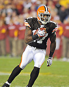Landover, MD - October 19, 2008 -- Cleveland Browns wide receiver Braylon Edwards (17) runs with the ball after making a catch late in the fourth quarter against the Washington Redskins at FedEx Field in Landover, Maryland on Sunday, October 19, 2008.  The Redskins won the game 14 - 11..Credit: Ron Sachs / CNP