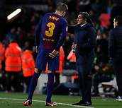 11th January 2018, Camp Nou, Barcelona, Spain; Copa del Rey football, round of 16, 2nd leg, Barcelona versus Celta Vigo; Ernesto Valverde of FC Barcelona speaks with Gerard Pique of FC Barcelona during a break in the match