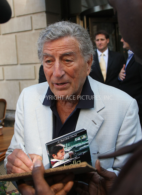 WWW.ACEPIXS.COM ** ** ** ....EXCLUSIVE - ALL ROUNDER....September 24 2008, New York City....Veteran Crooner Tony Bennett signed autographs for fans outside a restaurant in Manhattan on September 24 2008 in New York City....Please byline: STAN ROSE -- ACEPIXS.COM.. *** ***  ..Ace Pictures, Inc:  ..tel: (646) 769 0430..e-mail: info@acepixs.com..web: http://www.acepixs.com