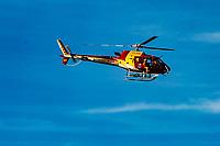 BRUMADINHO, MG, 01.02.2019: ROMPIMENTO DA BARRAGEM EM BRUMADINHO. Helicoptero dos bombeiros sobrevoam reigiao afetada pelo rompimento da barragem em Corrego do Feijao-Brumadinho, região metropolina de Belo Horizonte, MG, na manhã desta sexta feira (01) (foto Giazi Cavalcante/Codigo19)