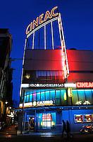 Cineac bij het Rembrandtplein in Amsterdam