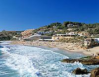 Spanien, Balearen, Ibiza (Eivissa): Strand von Cala Tarida im Suedwesten | Spain, Balearic Islands, Ibiza (Eivissa): Cala Tarida - bay and beach