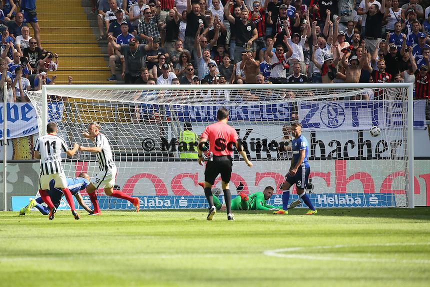 goal, Tor zum 1:0 für Alexander Meier (Eintracht Frankfurt) - 27.08.2016: Eintracht Frankfurt vs. FC Schalke 04, Commerzbank Arena