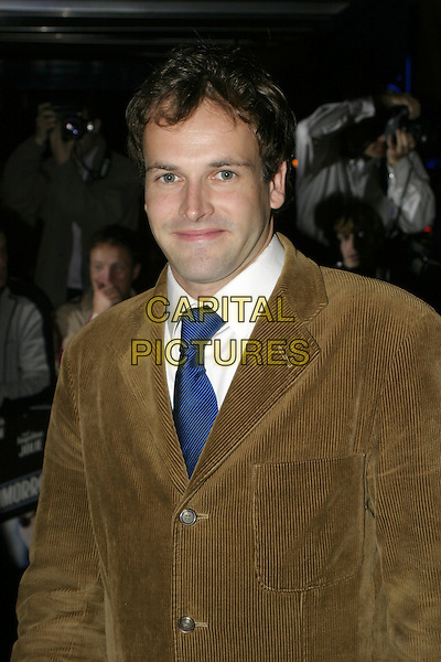 JOHNNY LEE MILLER.Sky Captain & The World OF Tomorrow Premiere.UCI Empire, Leicester Square.Monday, September 27th, 2004.headshot, portrait, blue tie.www.capitalpictures.com.sales@capitalpictures.com.© Capital Pictures.