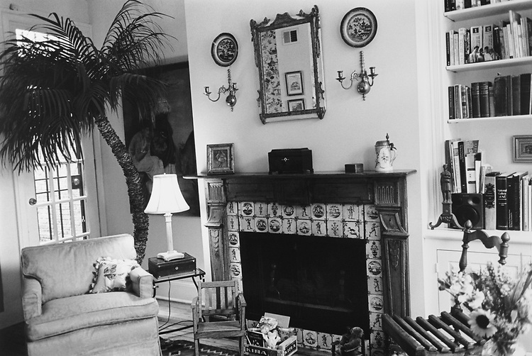 "The ""Living Room"" of Tom and Alice Faison 's house at 527 9th St. Southeast in ""House and Garden ""at neighborhood, on March 30, 1995. (Photo by Laura Patterson/CQ Roll Call via Getty Images)"