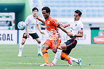 Jeju United Forward Magno Da Cruz (L) fights for the ball with Urawa Reds Defender Makino Tomoaki (R) during the AFC Champions League 2017 Round of 16 match between Jeju United FC (KOR) vs Urawa Red Diamonds (JPN) at the Jeju Sports Complex on 24 May 2017 in Jeju, South Korea. Photo by Yu Chun Christopher Wong / Power Sport Images