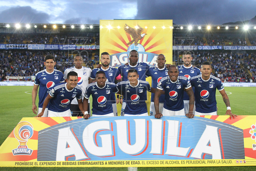 BOGOTÁ - COLOMBIA, 11-11-2018.Formación de Millonarios .Acción de juego entre los equipos Millonarios e Independiente Santa Fe  durante partido  por la fecha 19 de la Liga Águila II 2018 jugado en el estadio Nemesio Camacho El Campín de la ciudad de Bogotá. /Team of Milonarios.Action game between  Millionarios  and Independiente Santa Fe teams  during match for date 19 of Liga Águila II 2018 during the match for the date 19 of the Liga Aguila II 2018 played at the Nemesio Camacho El Campin Stadium in Bogota city. Photo: VizzorImage / Felipe Caicedo / Staff.