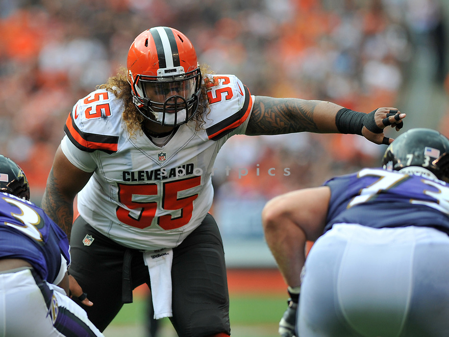 CLEVELAND, OH - JULY 18, 2016: Defensive tackle Danny Shelton #55 of the Cleveland Browns makes a call at the line of scrimmage in the second quarter of a game against the Baltimore Ravens on July 18, 2016 at FirstEnergy Stadium in Cleveland, Ohio. Baltimore won 25-20. (Photo by: 2017 Nick Cammett/Diamond Images)  *** Local Caption *** Danny Shelton(SPORTPICS)