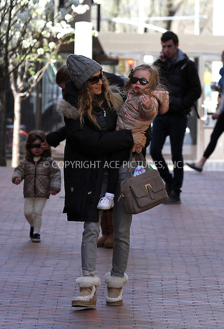 WWW.ACEPIXS.COM . . . . .  ....March 27 2012, New York City....Actress Sarah Jessica Parker takes her twin daughters to dance class on March 27 2012 in New York City....Please byline: Zelig Shaul - ACE PICTURES.... *** ***..Ace Pictures, Inc:  ..Philip Vaughan (212) 243-8787 or (646) 769 0430..e-mail: info@acepixs.com..web: http://www.acepixs.com