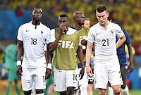FUSSBALL WM 2014  VORRUNDE    GRUPPE E     Ecuador - Frankreich                  25.06.2014 Moussa Sissoko, Blaise Matuidi und Laurent Koscielny (v.l., alle Frankreich) sind nach dem Abpfiff eher unzufrieden