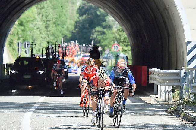 Vincenzo Nibali (ITA) Bahrain-Merida in action during the Italian National Championships 2017 Elite Men, running 2356km from Asti to Ivrea, Piemonte, Italy. 25/06/2017.<br /> Picture: Foto LaPresse/Massimo Paolone | Cyclefile<br /> <br /> <br /> All photos usage must carry mandatory copyright credit (&copy; Cyclefile | LaPresse/Massimo Paolone)