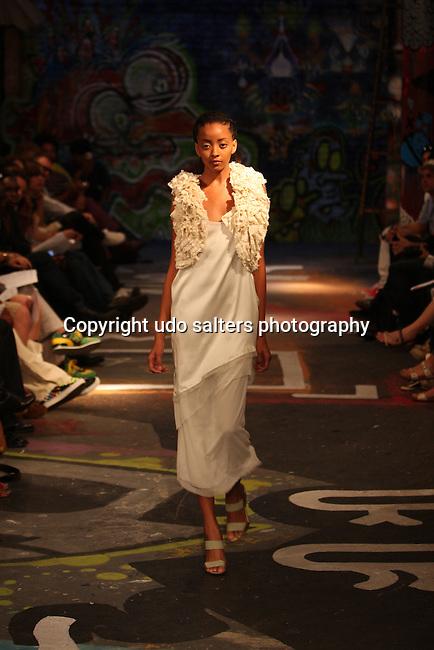 Mercedes-Benz IMG Fashion Week-EPPERSON SPRING/SUMMER 2010