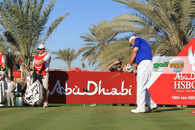 Thomas Bjorn (DEN) tees off the 14th tee during Friday's Round 2 of the Abu Dhabi HSBC Golf Championship at Abu Dhabi Golf Club, 18th January 2013 (Photo Eoin Clarke/www.golffile.ie)