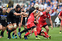 Dave Attwood of Bath Rugby takes on the Toulouse defence. Heineken Champions Cup match, between Bath Rugby and Stade Toulousain on October 13, 2018 at the Recreation Ground in Bath, England. Photo by: Patrick Khachfe / Onside Images