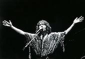 Nov 24, 1977 : YES - JON ANDERSON