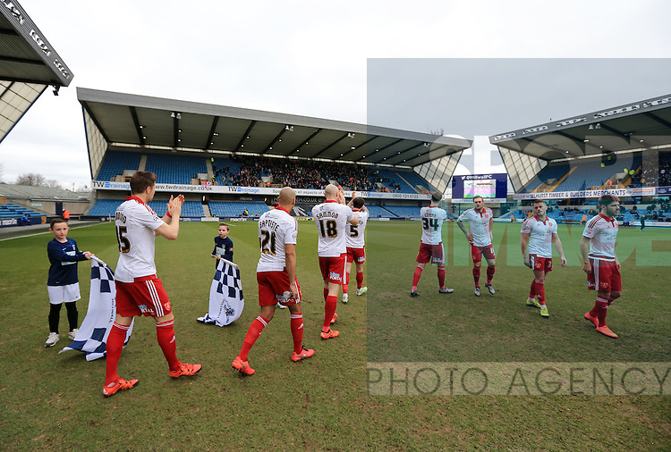 Sheffield United's team applaud the away support during the League One match at The Den.  Photo credit should read: David Klein/Sportimage