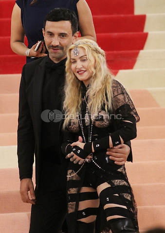 05 02 2016: Riccardo Tisci, Madonna at Manus X Machina: Fashion In An Age of Technology at Metropolitan Museum of Art in New York. Credit:RWMediaPunch