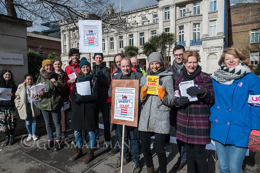 The picket line at Queen Mary's University with striking UCU members and their student supporters. East London 8-3-18
