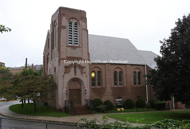 WATERBURY,  CT 12 October 2005 -101205BZ07- Grace Baptist Church on Kingsbury Street in Waterbury.<br />  Jamison C. Bazinet / Republican-American