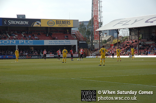 Brentford 0 Cheltenham Town 2, 07/04/2007. Griffin Park, League One. Photo by Simon Gill.