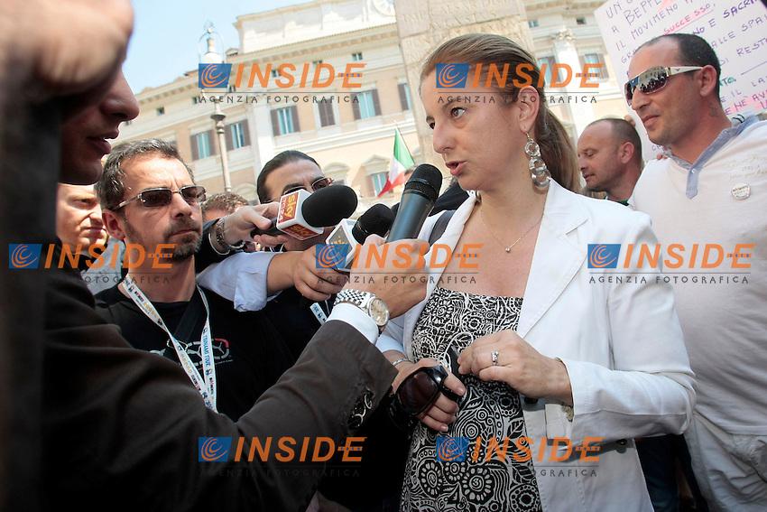 Roberta Lombardi<br /> Roma 18/06/2013 Piazza Montecitorio. Manifestazione dei Grillini.<br /> Photo Samantha Zucchi Insidefoto