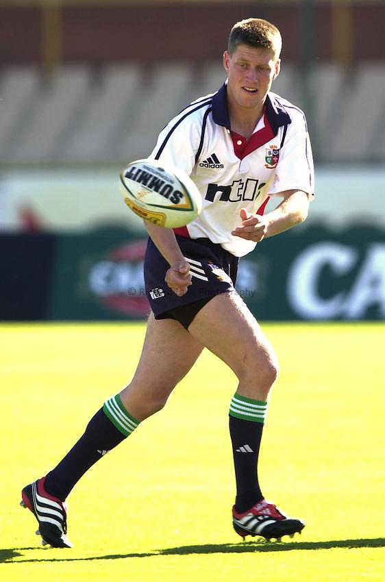Photo. Richard Lane. .Lions Tour 2001 to Australia. Match 1 Team Training at WACA, Perth, Western Australia. 7/6/2001..Ronan O'Gara