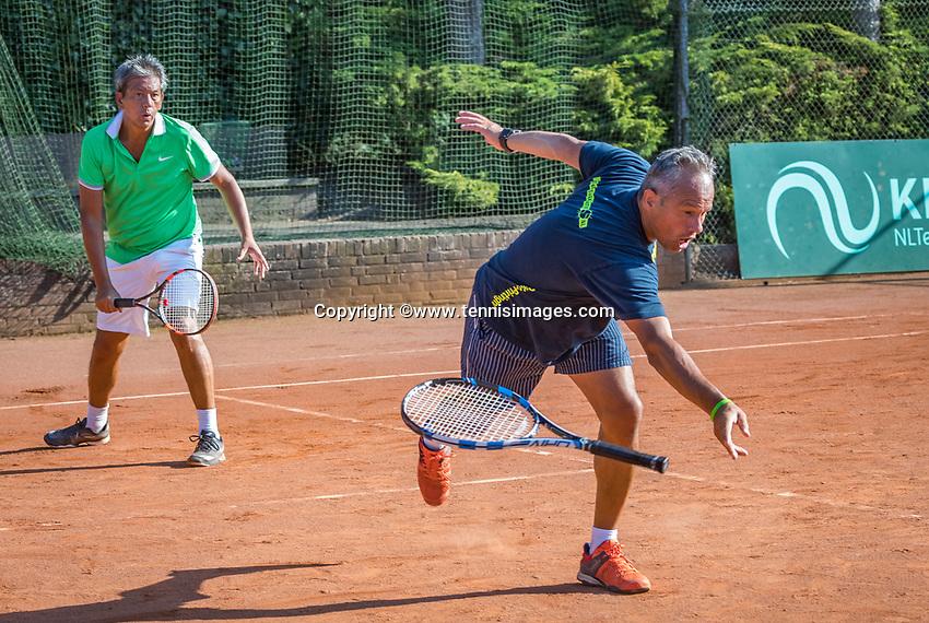 Etten-Leur, The Netherlands, August 27, 2017,  TC Etten, NVK, Men's doubles :Mike (R) and Rob Simon, winners 50+,<br /> Photo: Tennisimages/Henk Koster