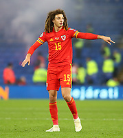 19th November 2019; Cardiff City Stadium, Cardiff, Glamorgan, Wales; European Championships 2020 Qualifiers, Wales versus Hungary; Ethan Ampadu of Wales gives instructions to team mates - Editorial Use