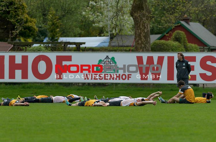 07.05.2013, Trainingsgelaende, Bremen, GER, 1.FBL, Training Werder Bremen, im Bild Die Spieler liegen nach dem Training auf dem Rasen<br /> <br /> Foto &copy; nph / Frisch