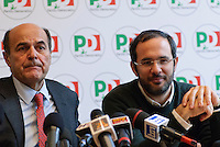 Pierluigi Bersani, candidato premier per il partito Democratico, e Umberto Ambrosoli, candidato presidente della regione Lombardia, durante la conferenza stampa per la campagna elettorale per le elezioni politiche del 2013 e le regionali della Lombardia. Milano, 19 gennaio, 2013....Pierluigi Bersani, Democratic Party candidate for prime minister, and Umberto Ambrosoli, candidate for president of the Lombardy, during the press conference for the electoral campaign for parliamentary elections 2013 and the regionals once in Lombardy. Milan, January 19, 2013.