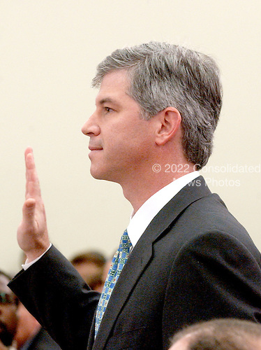 """Washington, DC - February 7, 2002 --Andrew S. Fastow, former Chief Financial Officer, Enron Corporation is sworn to testify before a hearing of the United States House of Representatives Energy and Commerce Subcommittee on Oversight and Investigations on """"The Financial Collapse of the Enron Corporation""""..Credit: Ron Sachs / CNP"""