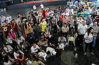 SAO PAULO, SP, 03.08.2014 - BULLNINA 2014 - ENCONTRO DE BULLDOGS - Participantes durante a Bullnina 2014, encontro de criadores de caes da raça Bulldog que ocorreu na manha deste domingo , 03 no clube Guapira , zona norte da Cidade de Sao Paulo. (Foto: Andre Hanni /Brazil Photo Press).