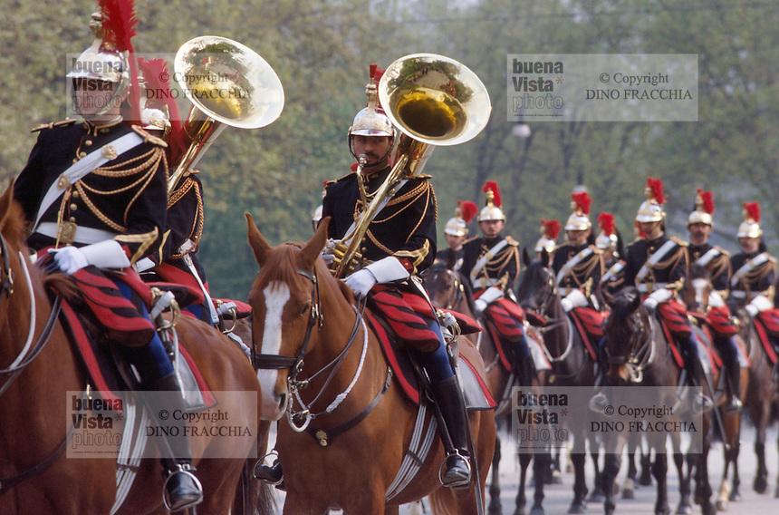 - Paris, military parade of the Republican National Guard ....- Parigi, parata militare della Guardia Nazionale Repubblicana