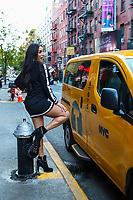 NOVA YORK, EUA, 04.11.2019 - CELEBRIDADE-EUA - Jessica BarrosEx-militar brasileira e Miss Transexual em 2006 visita Nova York e anuncia que ira lançar biografia em Londres.Jessica serviu ao país pela Marinha do Brasil na Capitania dos Portos. No livro, ela vai revelar a sua trajetória, sua infância humilde, experiências de vida e viagens pelo mundo, além de abordar sobre preconceitos já vivenciados após sair da carreira militar quando se mostrava como homem.(Foto: Vanessa Carvalho/Brazil Photo Press/Folhapress)