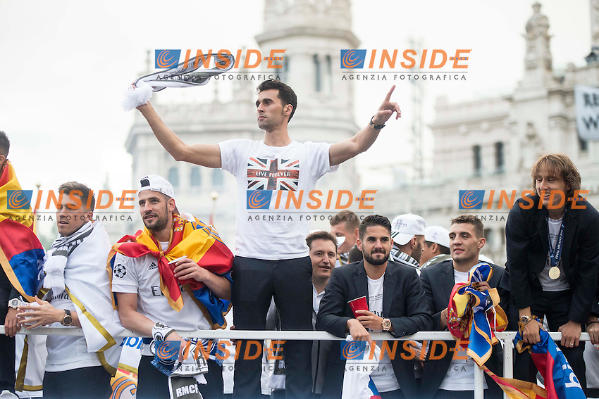 Arbeloa, Isco and Luka Modric during the celebration of the victory of the Real Madrid Champions League at Plaza de Cibeles in Madrid. May 28. 2016. (ALTERPHOTOS/Borja B.Hojas)<br /> Festeggiamenti Real Madrid per la vittoria in Champions League<br /> Foto Insidefoto