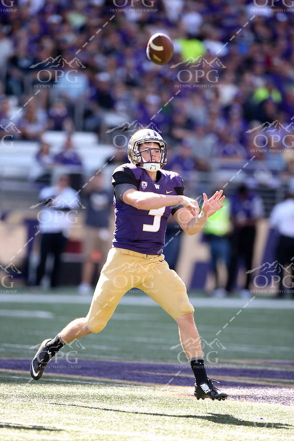 10 September 2016:  Washington's Jake Browning during the game against Idaho. Washington defeated Idaho at the University of Washington in Seattle, WA.